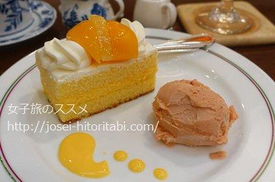 梅月堂のシースクリームケーキ