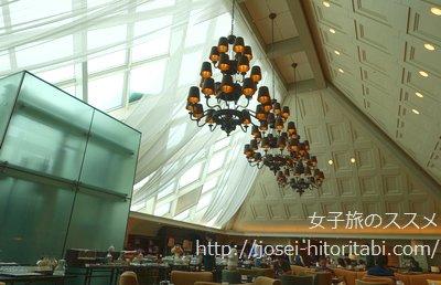 東京ステーションホテルのラウンジ アトリウム